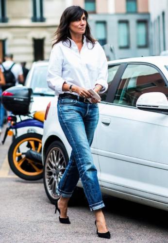 Perfekt styling af de klassiske elementer; stiletten, jeans og den hvide skjorte. Foto: www.alixrose.com